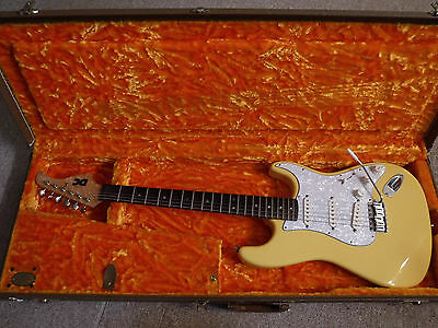 DC Custom Guitar with Fully Scalloped Neck (Yngwie Malmsteen scallops)