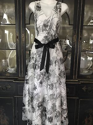 Papell Boutique Evening Black/White Net Floral Long Gown Size 8