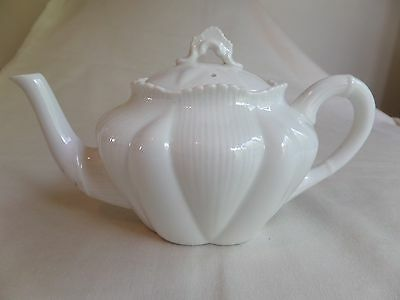 VINTAGE SHELLEY BONE CHINA DAINTY WHITE TEAPOT RARE ITEM Rd 272101 ONE CUP