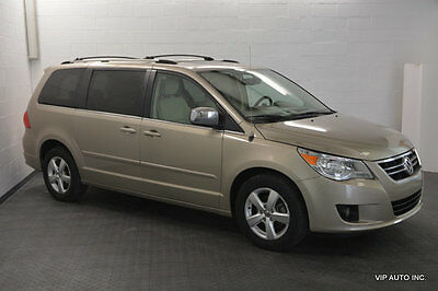 2009 Volkswagen Routan 4dr Wagon SEL Volkswagen Routan SEL 4.0 Rear Entertainment Xenon Heated Seats Moonroof PDC