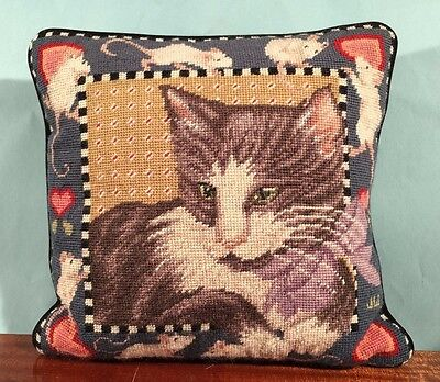 CAT & SNEAKY MICE Needlepoint TAPESTRY Pillow Zippered throw kitty mouse HEARTS!