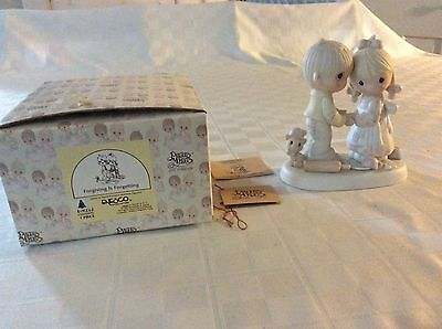 """Precious Moments """"Forgiving Is Forgetting"""" Figurine in Box 1982"""