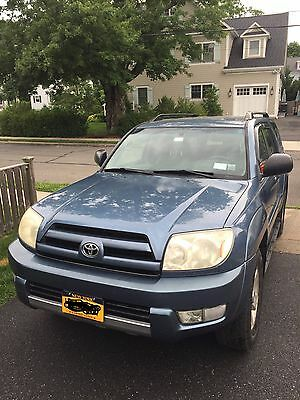 2004 Toyota 4Runner  2004 TOYOTA 4RUNNER 4WD * V6 * AUTO *  with 3rd Row Seats