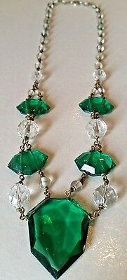 Art Deco VINTAGE Emerlad green and clear facetted glass Stunning necklace