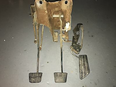 73-87 Chevy GMC Truck Hydraulic Clutch Vacuum Brake Pedal Assembly + Gas Pedal