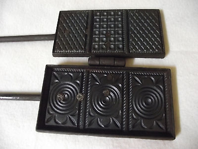 Altes antikes Waffeleisen Old Waffle Makers old antique waffle iron Länge 49cm