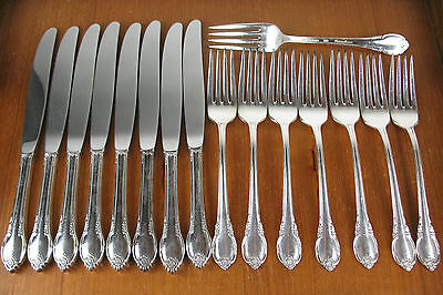 16 Pc Luncheon Knives & Forks Rogers 1847 Remembrance 1948  vintage silverplate