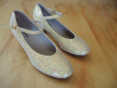 "THEATRICALS DANCE SHOES, Gold, size 7 w/ 1 3/4"" heel, LEATHER SOLE"