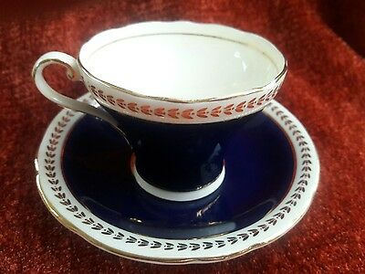 1940's AYNSLEY BONE ÇHINA COBALT BLUE GOLD TRIM CORSET SHAPE CUP& SAUCER C186