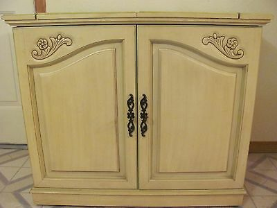 French Country Vintage Buffet Server Sideboard Cabinet Open/closed Top W/casters