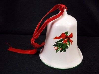 Pfaltzgraff CHRISTMAS 1992 bell Holly & berries green rim red ribbon hanger