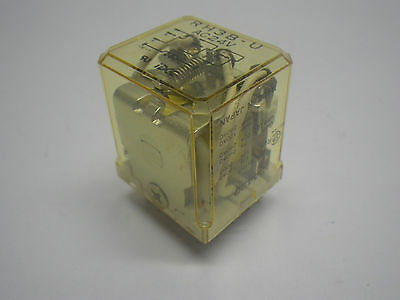 IDEC Ice Cube Relay 3PDT 24VAC RH3B-U PKG of 6