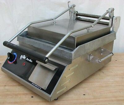 Star Pro-Max GR14 Two-Sided Commercial Hot Sandwich Press & Panini Grill