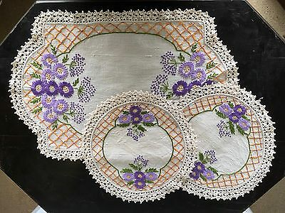 Vintage Hand Embroidered With Lace Trim Duchess Set Super Pretty Girly 3pc