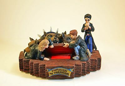 HARRY POTTER Through The Trapdoor Enesco Masterpiece Collection Lighted Figurine
