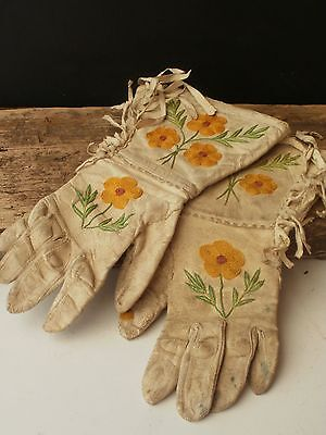 Rare Antique Native American Embroidered Hide Gauntlets,metis,cree Or Huron?