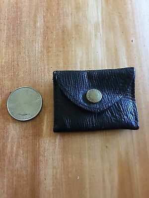 adorable tiny vintage leather coin purse