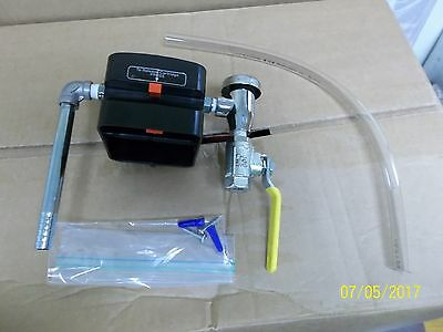Wall mount assemply Daley APM Chemical Dilution delivery station right handle