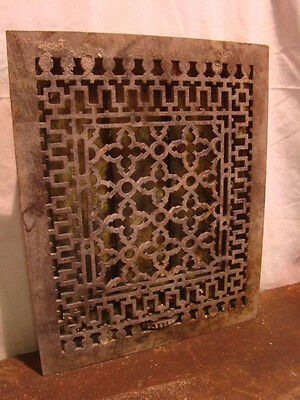 ANTIQUE LATE 1800'S CAST IRON HEATING GRATE UNIQUE ORNATE DESIGN 16.75 X 13.75 a