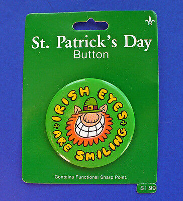 BUY1&GET1@50%~Gibson PIN St Patrick MOC BUTTON-LEPRECHAUN Irish Eyes Smiling Vtg
