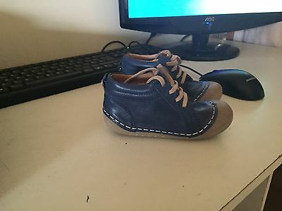 Belly button Toddler Shoes European Size 24