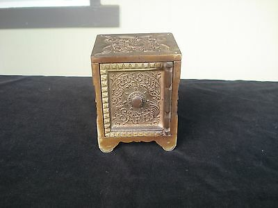 ANTIQUE Vintage Mini Cast Iron TREASURE SAFE  J & E Stevens Co-- CT
