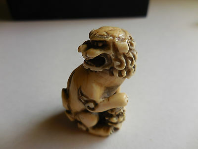 Japanese Antique 19 th cent signed Netsuke Shishi