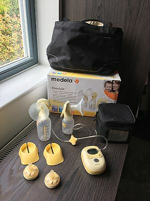 Medela freestyle double breast pump with accessories - no mains adapter
