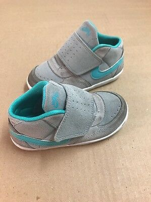 NIKE SB Gray & Teal Green One Snap Athletic Shoes Toddler Girls' Size 8