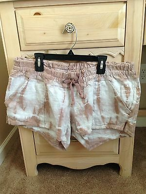 A Pea in the Pod Maternity Shorts Size Medium EUC