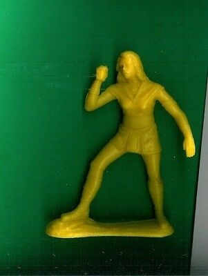 """Vhtf Space Woman Empire Co.  5.5"""" Tall Yellow Plastic Playset Figure"""