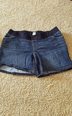 Liz Lange maternity denim shorts, XL