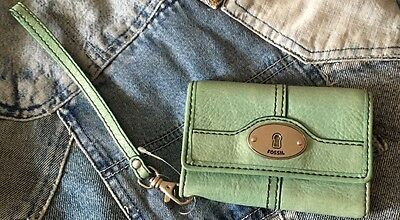 Authentic Vintage Fossil Wallet Trifold Phone Holder Wristlet Green Leather Guc