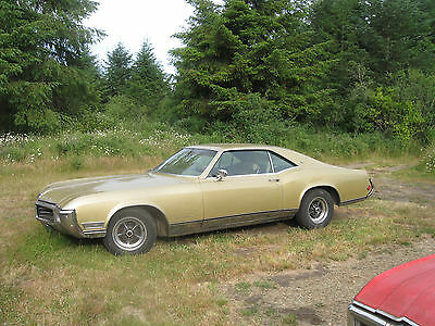 1969 Buick Riviera  1969 Buick Riviera Large Collection Cars and Parts 1968 1970