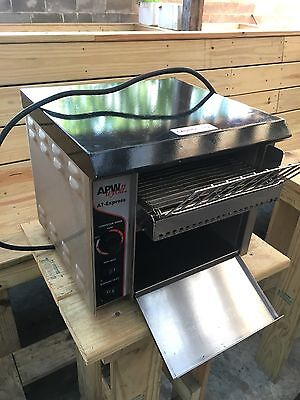 APW Wyott AT Express Conveyor Toaster - 300 slices p/h