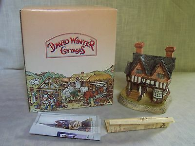 David Winter Gunsmiths Cottage The Midlands Collection with Box COA Signed 1987
