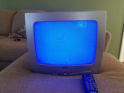 """13"""" color tv e13320 with remote Works 2001"""