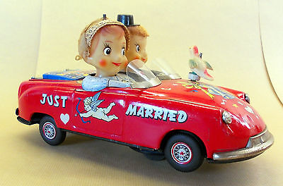 ICHIDA Kissing Couple Made in Japan, mid 1950's