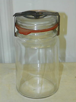 Vintage UNIQUE Clear Glass Pint Jar with Rubber Seal & Metal Snap Top         J1