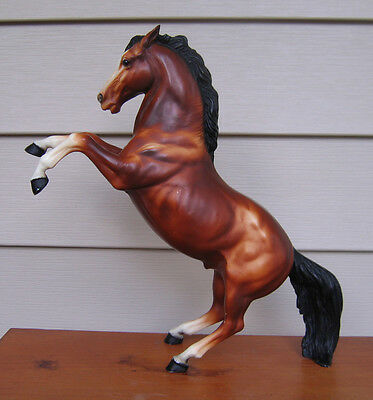 Breyer vintage bay fighting stallion produced 1961-1987 awesome shading