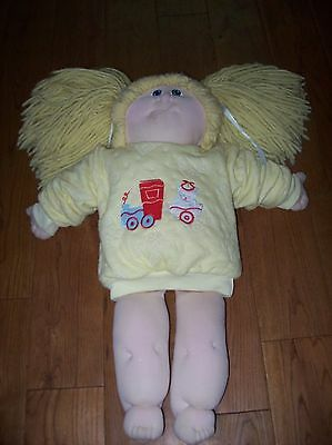 Vintage soft bodied Cabbage Patch Doll, Blonde hair, Blue eyes, NO markings,