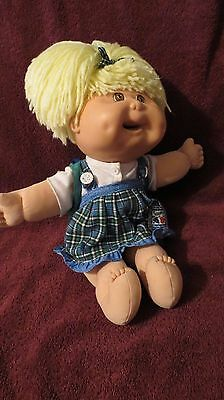 """1995 Mattel Blonde CABBAGE PATCH KIDS 16"""" Doll in 3 Piece Outfit with Packpack"""