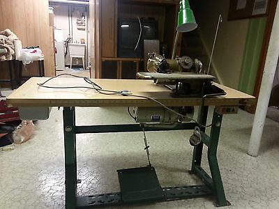 Columbia 300-20 Union Special Hemmer Industrial Sewing Machine W/ Table