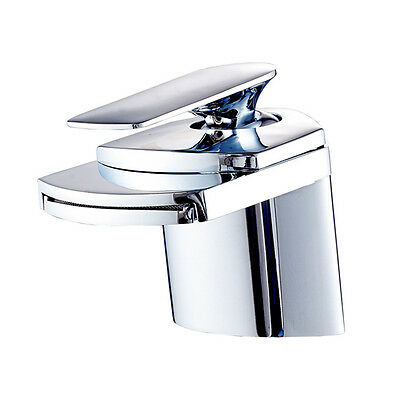 Designerst ck luxus armatur wasserhahn wasserfall bad for Design wasserhahn bad
