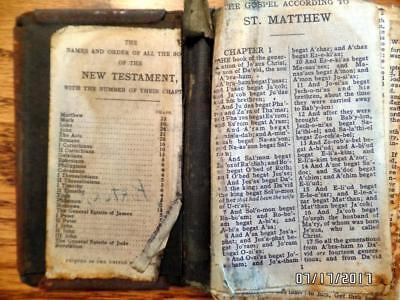 World War Ii Era Military New Testament With Metal Cover Complete - Bible