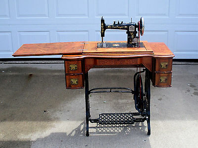 Antique 1890s NEW ROYAL TREADLE SEWING MACHINE in CABINET    Illinois SM Co.