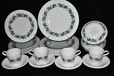 IROQUOIS CHINA  WOODALE 20  Pc. MID CENTURY AMERICAN MADE SERVICE FOR 4 STUNNING