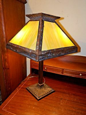 Antique 1920s Arts & Crafts Mission Craftsman Stained Slag Glass Table Desk Lamp