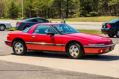 1989 Buick Reatta  Very nice clean low mileage Buick Reatta two seater