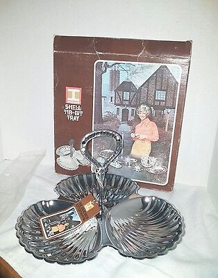 Vtg NOS Irvin Ware Silvertone/Chrome Divided (3 clam shells) Serving Tray (A178)